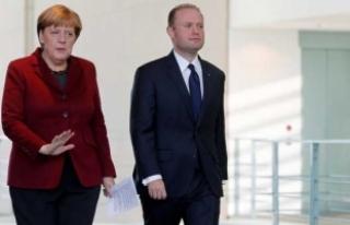 Erdoğan uyardı Merkel çarketti