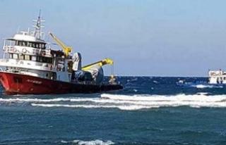 Türk yük gemisi karaya oturdu