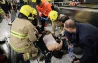 Hong Kong'da metroda yangın