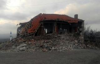 Korkutan deprem! Yaralılar var