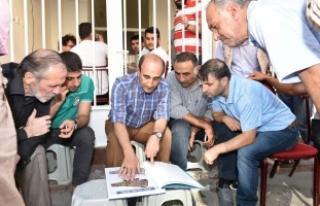 Bursa'da başkan Edebali 296 haneyi ziyaret etti