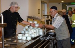 Bursa'da vatandaşlara çorba ikramı