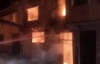 Bursa'da kardeşlerin evleri alev alev yandı!