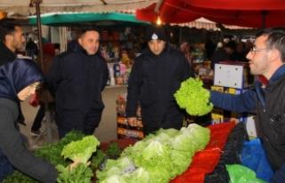 Bursa'da zabıtadan pazar denetimi