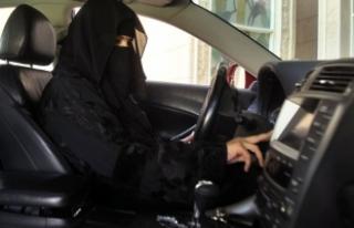 Suudi kadınlar taksici oluyor!
