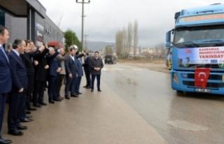 Bursa iş dünyası 6 TIR yardım malzemesini Kilis'e...