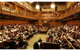 Parlamento'da şüpheli paket paniği!