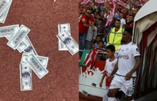Antalya'da Eto'o'ya dolarlı tepki