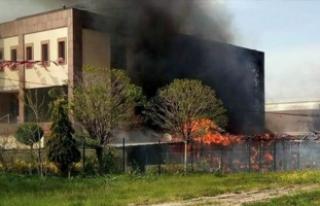 Bursa'da korkutan yangın! İtfaiye aracı da...
