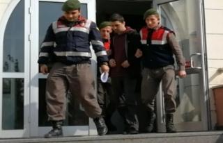 Bursa'daki tekmeci öğretmen tutuklandı