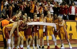 Galatasaray Avrupa'da üçledi