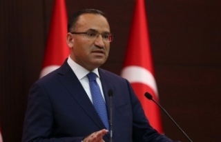 Bekir Bozdağ'dan CHP'ye dönen milletvekilleri...
