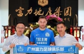 Tosic veda etti, BJK 33 yaşındaki oyuncudan 5 milyon...