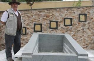 Ünlü oyuncu 35 bin TL'ye mezar yaptırdı:...