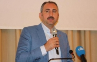 Abdulhamit Gül: CHP istediği için Demirtaş hapiste