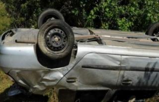 Bursa'da feci kaza! Otomobil şarampole devrildi!