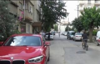 Bursa'da ölüm sokağı! Bu sefer çöpe attı...