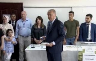 Cumhurbaşkanı Erdoğan Üsküdar'da oyunu kullandı!