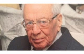 Eski Bakan İlyas Karaöz hayatını kaybetti!