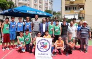 Mudanya'da sokak basketbolu heyecanı
