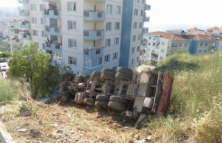 Bursa'da 3 araç birbirlerini kurtarmak istedi!...
