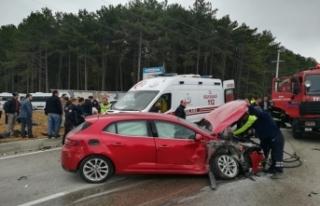Bursa'da korkunç kaza! Otomobille cip çarpıştı!