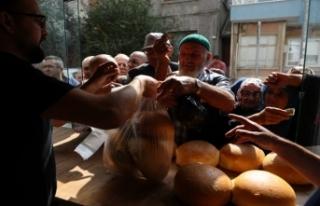 Bursa'daki o fırında ekmek zammına tepki gibi...