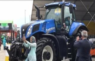 Bursa Tarım Fuarı'nın gözdesi traktörler...