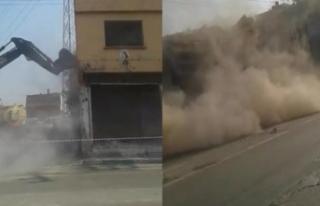 Bursa'da kontrolsüz yıkılan bina çöktü!...