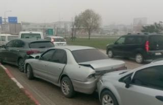 Bursa'da zincirleme kaza! 6 araç...