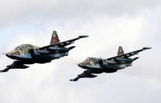 Ermenistan'da savaş uçağı düştü, iki pilot...