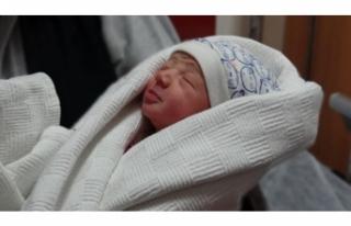 İnsanlık dışı olay! 1 haftalık bebeği...