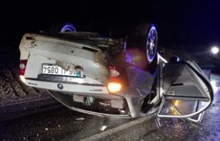 Bursa'da otomobil devrildi! Çok sayıda yaralı