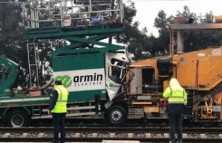 İstanbul'da iki tren çarpıştı! Yaralılar...