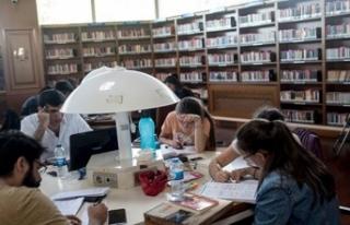 Başarılı Türk gençleri için Cumhurbaşkanlığı...