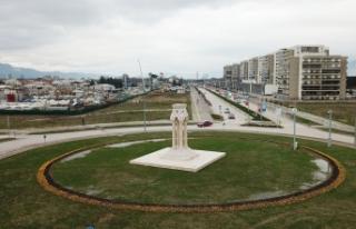 Göç ve Yurt heykelleri Yunuseli'ne yakıştı