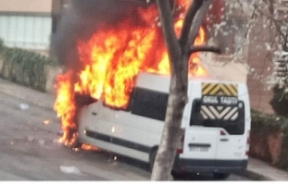 Öğrenci servisi alev alev yandı!