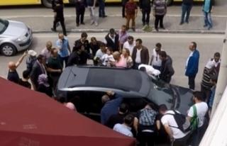 Bursa'da araç içinde mahsur kalan çocuğun...