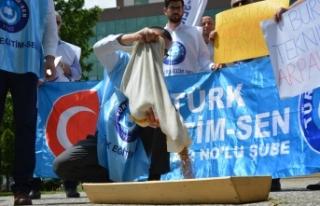 Bursa'da arpalı protesto