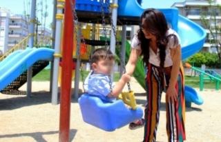 Kreşte 2 yaşındaki çocuk darbedildi