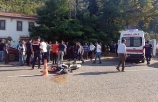 Bursa'da otomobil ile motosiklet çarpıştı