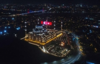 Çamlıca Camii'nde 15 Temmuz'a özel dev...