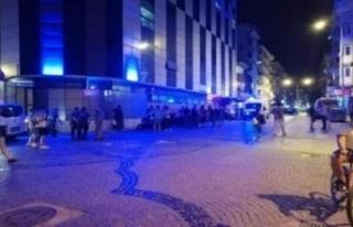 Eğlence mekanı önünde silahlı saldırı!