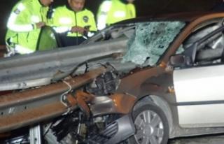 Bursa'da korkunç kaza! Bariyerkafasına saplandı
