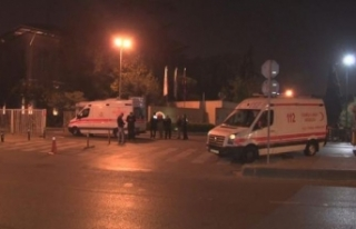 İstanbul Tıp Fakültesi Hastanesi'nin ambulansı...