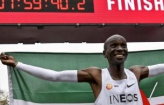 Kenyalı atlet tarihe geçti