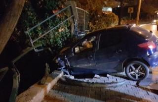 Bursa'da otomobili ile dereye uçmaktan son anda...