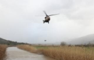 3 pilot kayıp helikopter için havalandı