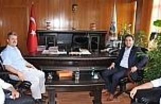 Ak Parti'den Müdür Ergüven'e 'hayırlı Olsun'...
