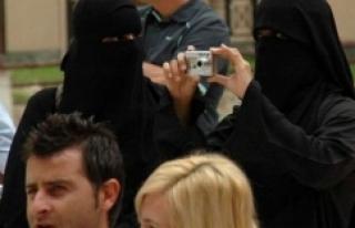 Araplar İstanbul turizmine hayat verdi